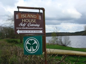 island-house-sign
